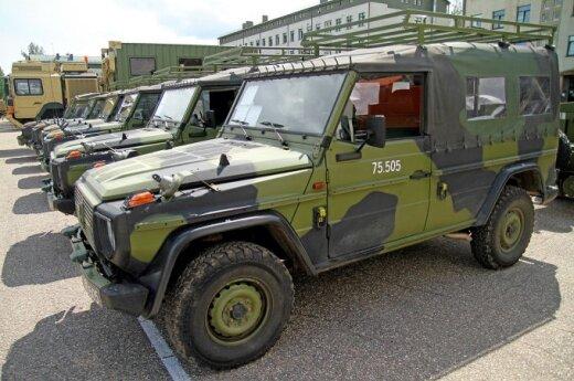 На дорогах Литвы – военная техника