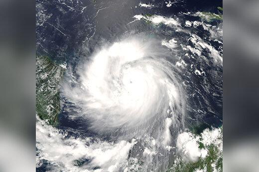 Uraganas Feliksas slenka link Amerikos