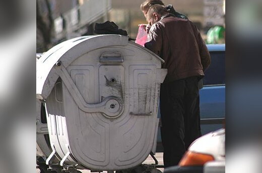 Skurdas, vargšai, konteineriai