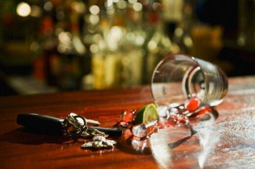 Automobilio rakteliai bare