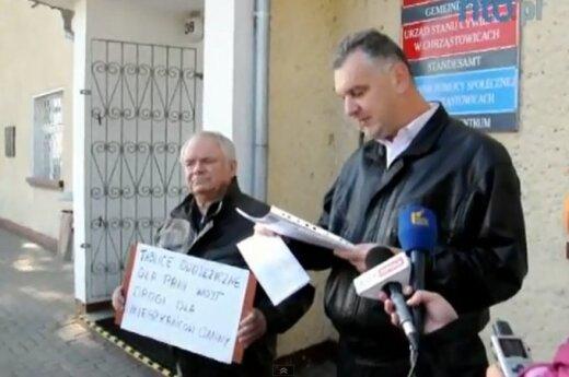PiS protestuje przeciwko dwujęzycznym napisom
