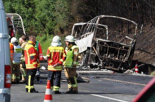 В Баварии автобус столкнулся с грузовиком: погибли 18 пассажиров
