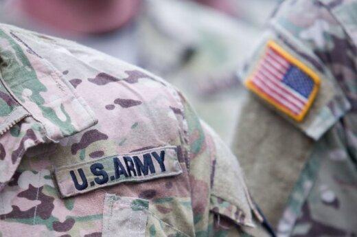 Rotaciją Lietuvoje baigiantys JAV kariai apdovanoti medaliais