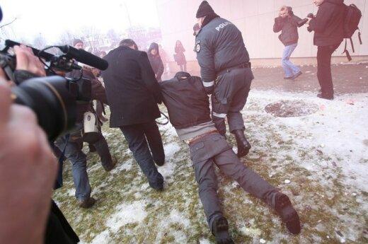 Butkevičius: Demokracja nie może przekształcić się w anarchię
