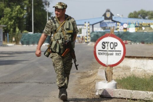 Lithuanian political scientists don't expect West providing military aid to Ukraine