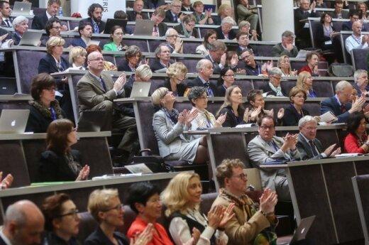 Kiek mums svarbūs socialiniai ir humanitariniai mokslai