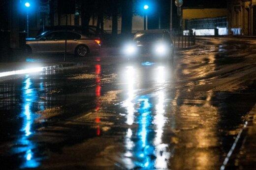 Ночью условия на дорогах осложнит гололед