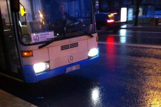 Sostinės autobuse – į grybą panašus darinys