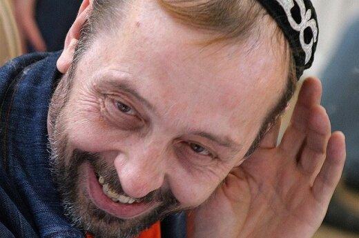 Летевшего на гастроли в Москву пьяного драматурга ссадили с самолета