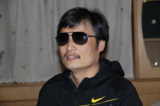 Chiny: Niewidomy chiński dysydent już w USA