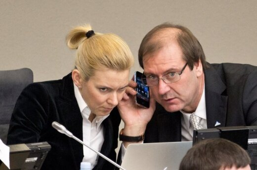 Na czele komisji tymczasowej Mazuronis i Paulauskas