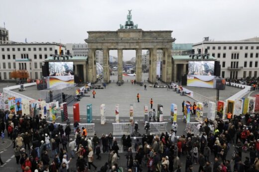 Berlyno sienos griūties 20-osios metinės.