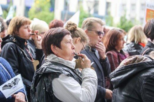 Dalis mokytojų profsąjungų atsisako trijų dienų streiko