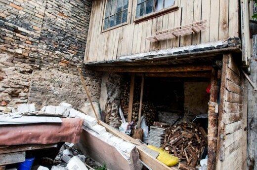 Vilniaus centre netikėtai nugriuvo verandos siena