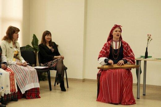 Liaudies tradicijų puoselėtojai pasakojo apie tarmes
