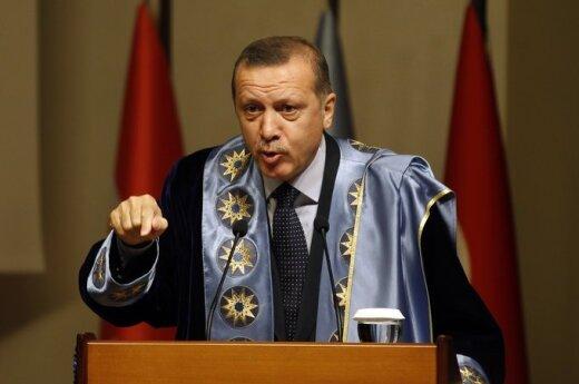 Turcja: Zatrzymany syryjski samolot wiózł ładunek wojskowy z Rosji