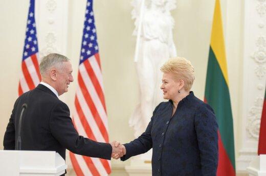 JAV gynybos sekretorius: gerbiu Rusijos armiją, bet Lietuvoje dislokuosime tai, ką reikės
