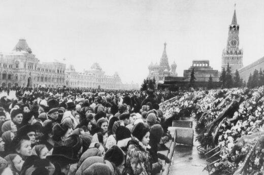 Опубликовано уникальное и неизвестное ранее видео похорон Сталина