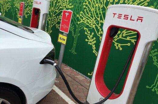 """""""Tesla"""" įkrovos stotelė"""