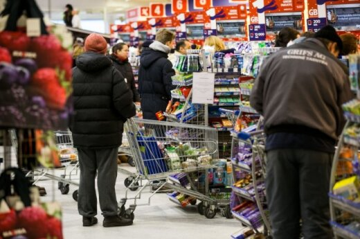 Consumers still pessimistic about Lithuania's economy, survey shows
