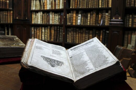 """Powstaje ranking """"100 książek, które trzeba przeczytać"""". Ludzie kultury już wybrali, teraz czas na internautów"""