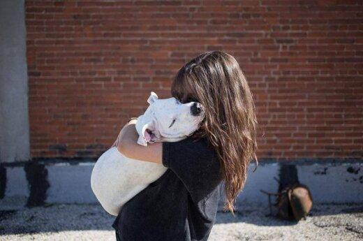 Laimingų gyvūnų istorijų liudijimai – su savanorių pagalba