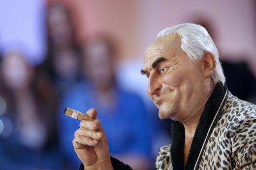 Francja: Strauss-Kahn wyrzucony z domu