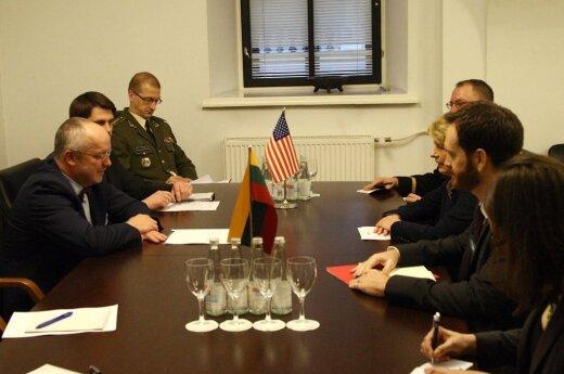Juozas Olekas ir JAV ambasadorė Deborah A. McCarthy