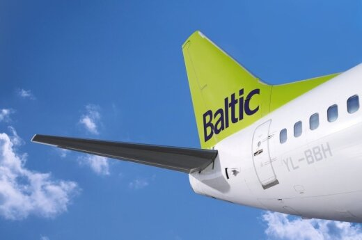 "air Baltic"" jet"