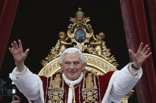 Watykan: Papież opublikował tweeta po łacinie