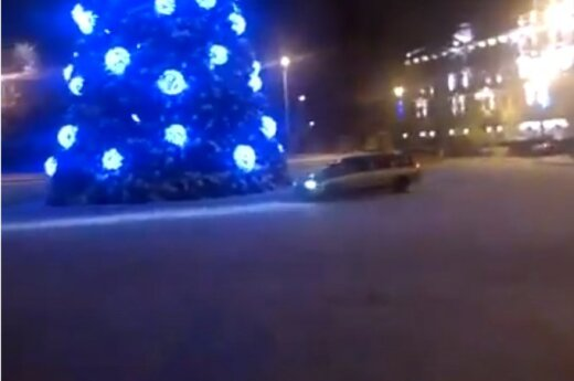 Drift dookoła choinki w Wilnie