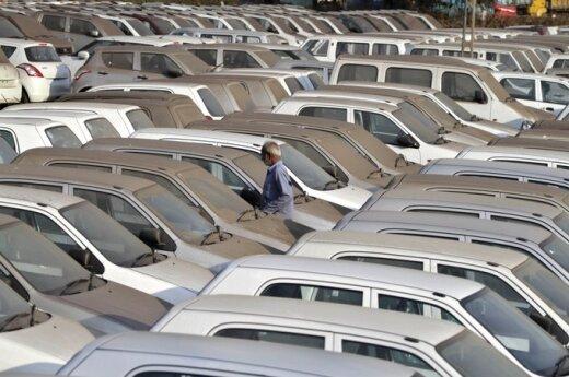 Правительство отложило введение налога на транспортные средства