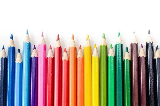 Nepalietis susigrūdo į burną 138 pieštukus