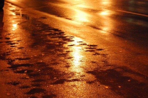 Vilniaus vairuotoją stebina slidžios gatvės: tokios situacijos dar nebuvo per 15-ika mano vairavimo metų