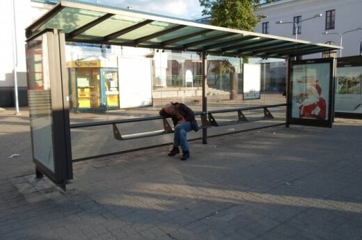 Vaizdeliai prie Vilniaus autobusų stoties gąsdina tautiečius ir užsieniečius