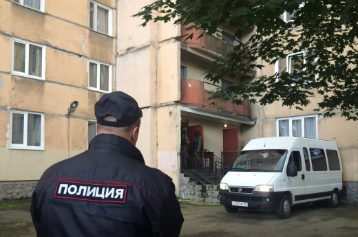 Силовики к выходу Навального на свободу взялись за его штабы: решетки на окнах, избиение, обыски