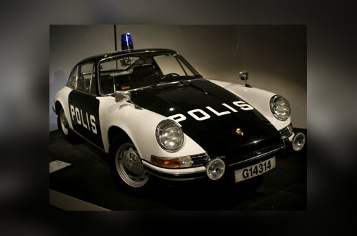 "Stokholmo (Švedija) policijos muziejaus eksponatas - senas ""Porsche 911"" automobilis"