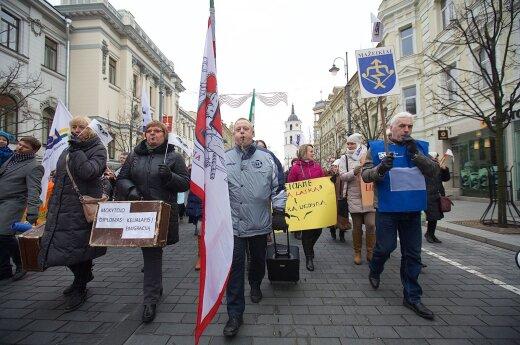 Teachers staged a rally in Vilnius last week