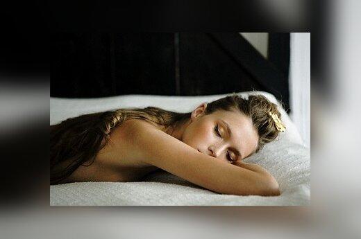 Mergina miega