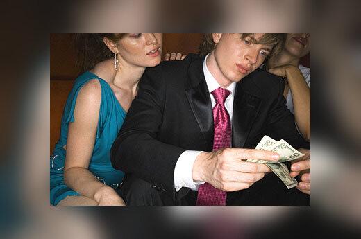 Vyras už pinigus