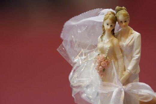 Estonia passes law allowing same-sex partnerships
