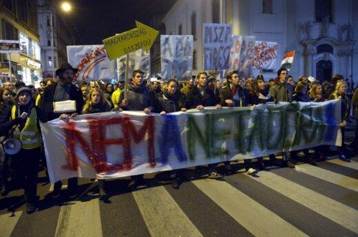 Налог на интернет: власти Венгрии отыграли назад