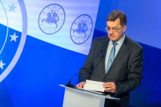 Премьер: сокращение инвестиций обусловлено выкупом акций Lietuvos dujos, Amber Grid, Lesto