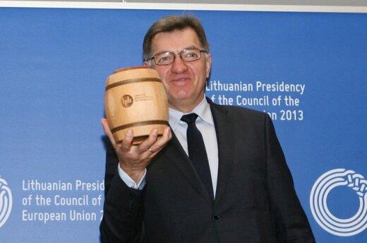 Премьер Литвы обещает скачок минималки, но при одном условии