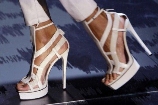 Модная обувь: оригинальные решения 2010
