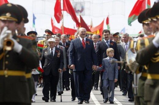 Aleksandras Lukašenka su sūnumi Nikolajumi