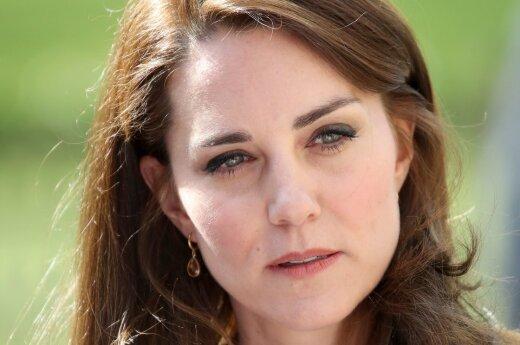 СМИ: Кейт Миддлтон не может простить супругу измену
