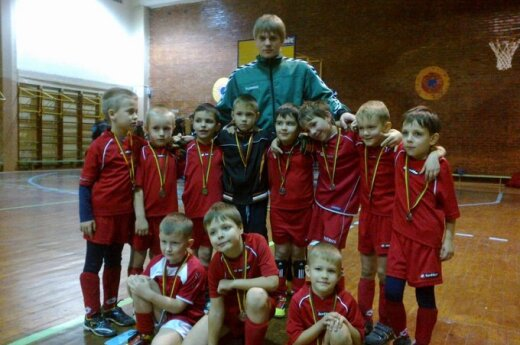 """Vaikų futbolo mokyklos """"Granitas"""" komanda"""