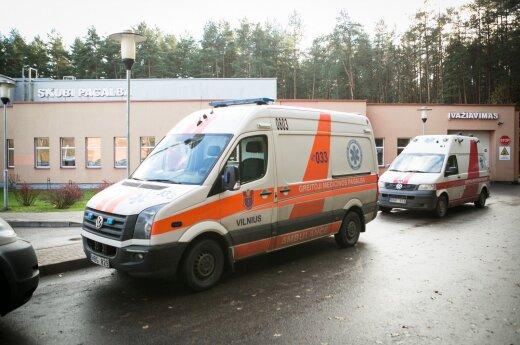 Į kelią išėjusią moterį partrenkė automobilis, ji mirė ligoninėje