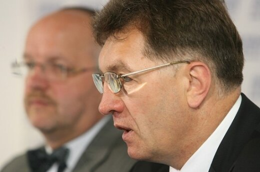 Жители Литвы хотят видеть премьером А.Буткявичюса или А.Кубилюса